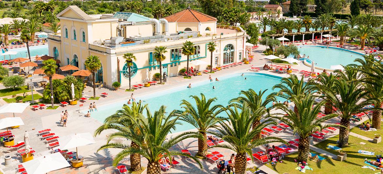 Hotel termale nel Lazio con 6000 mq di bagni e piscine di acqua ...