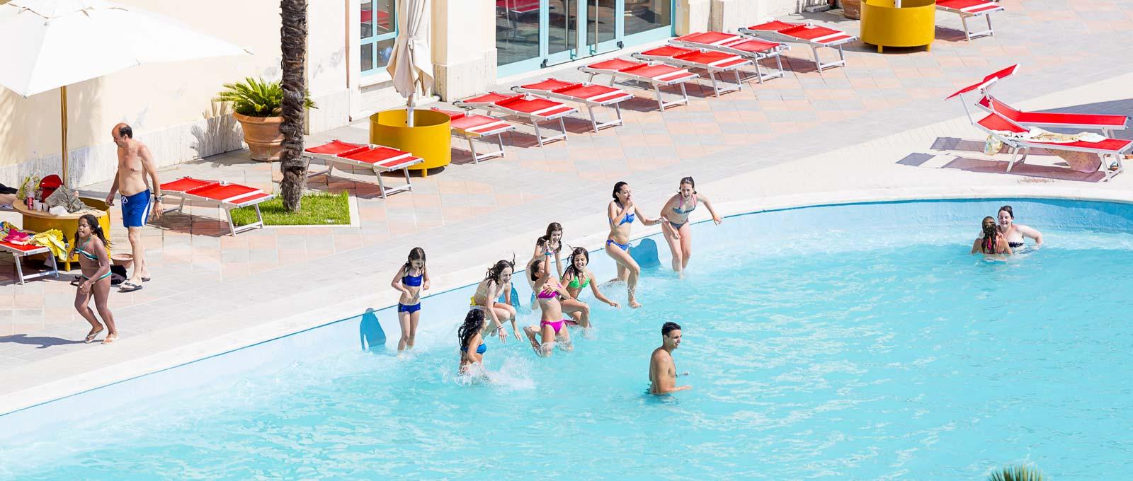 Offerte gruppi per soggiorni a tivoli terme nel lazio - Parco tivoli piscina ...