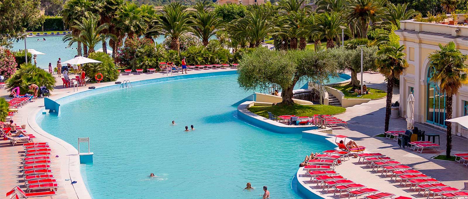 Hotel termale nel lazio con 6000 mq di bagni e piscine di - Terme bagni di tivoli orari e prezzi ...